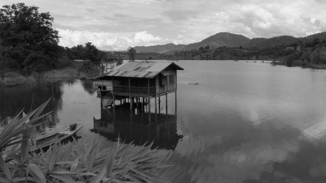 Zaplavený dům, který je ještě vidět