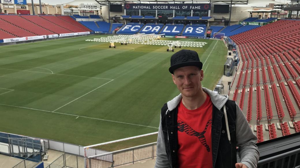 Fotbalista Zdeněk Ondrášek si v texaském Dallasu pochvaluje především slunečné počasí