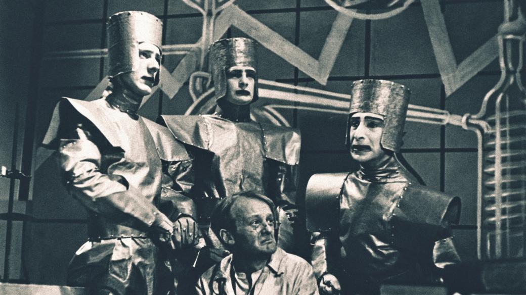 Scéna z R.U.R. Karla Čapka, BBC Television