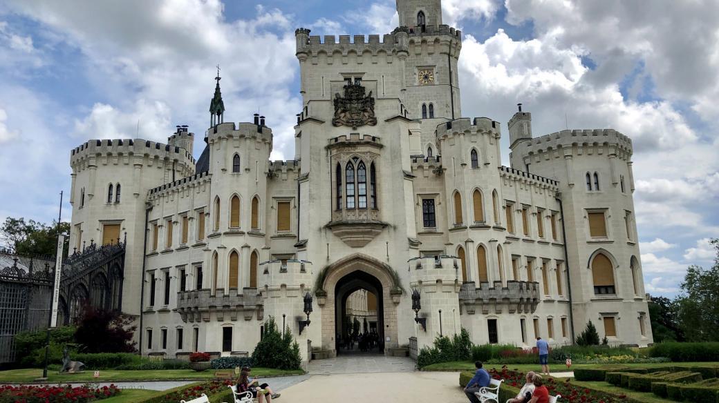 Zámek Hluboká patří k turisticky nejatraktivnějším památkám v Česku
