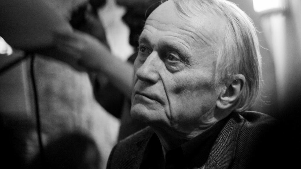Básník Petr Král se dožil 78 let