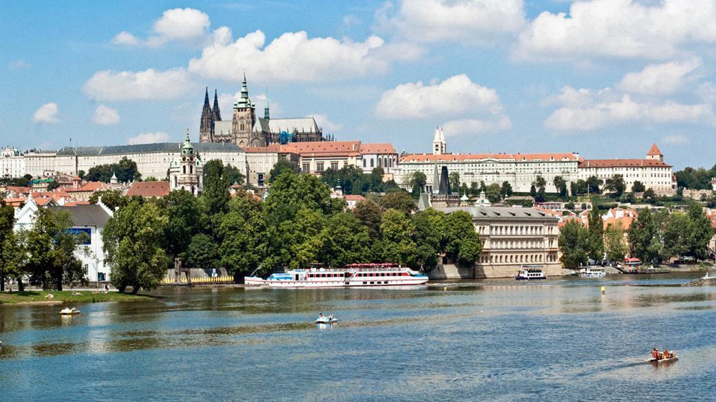 Logo - Prague