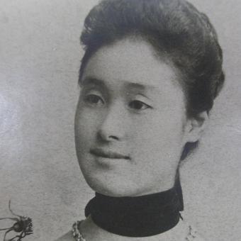 Poslední hraběnka na zámku Poběžovice u Domažlic, Japonka Mitsuko z rodu Coudenhovů, na dobové fotografii