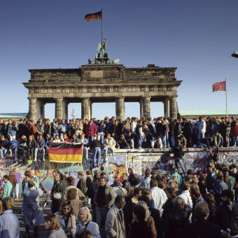 Pád Berlínské zdi, 1989