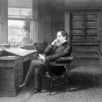 Spisovatel Charles Dickens u svého pracovního stolu