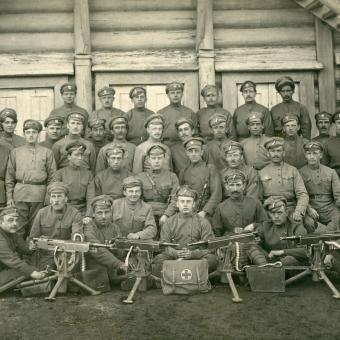 Příslušníci 6. střeleckého pluku Československých legií v Rusku v roce 1917 na snímku ze soukromého archivu Františka Sládka