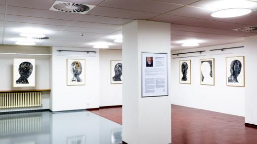 Expozice obrazů Jiřího Velingera