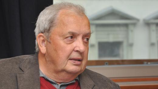 Prof. Luboš Petruželka