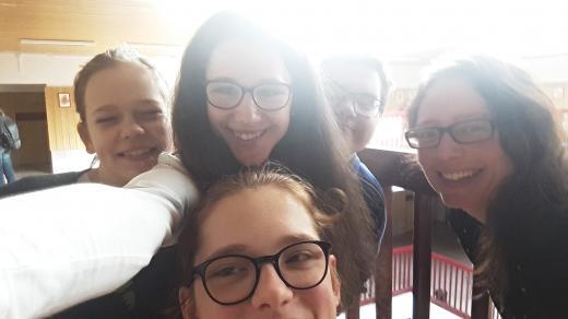 Autorka dokumentu a studenti Gymnázia a střední odborné školy pro zrakově postižené