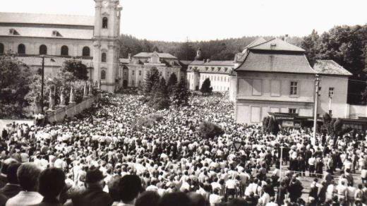 Katolické oslavy na Velehradě v roce 1985 ukázaly, že moc komunistického režimu se začala drolit