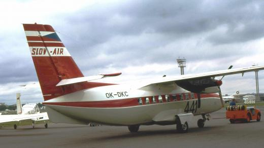 Letoun Turbolet v barvách Slov-Airu (ilustrační obrázek)