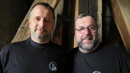 Holičtí zvoníci Petr Bažant a Lukáš Peška